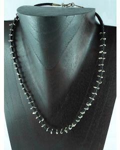 Halskette Silber auf gewachster Baumwolle